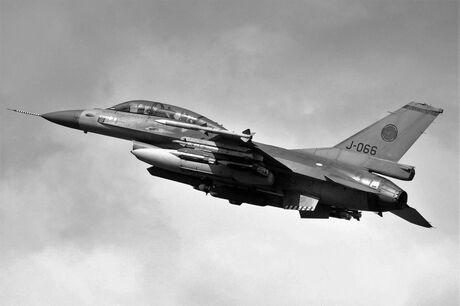 F-16B J-066 Orange Jumper
