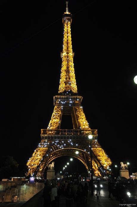 Eiffeltoren in nachtverlichting