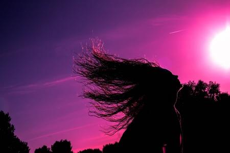 Girl is throwing hair back - Boot een thema same  met mmijn dochter een hele gave foto gemaakt. Met Lightroom de lucht bewerkt en wat aanpassingen. Ben benieuwd naar de commentaa - foto door RinaG op 28-10-2013 - deze foto bevat: roze, paars, blauw, haar, meisje, gooien, sillouette