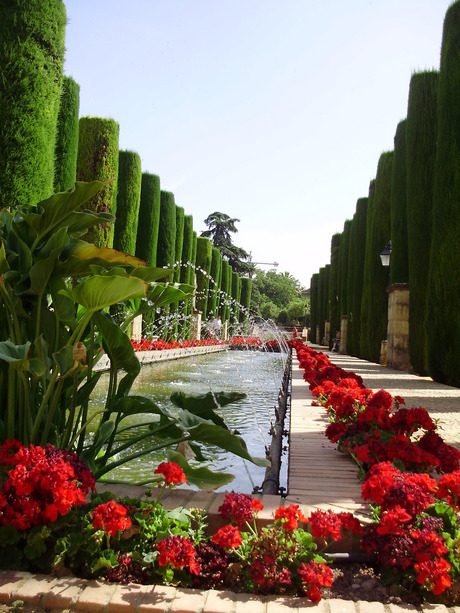 De tuin in het Alcázar van Cordoba