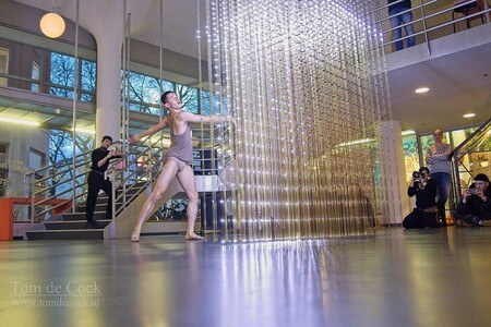 Schrittmacher dansfestival2020 - - - foto door cockie op 10-03-2020 - deze foto bevat: mensen, donker, licht, kunst, muziek, dans, beweging, festival, schrittmacher