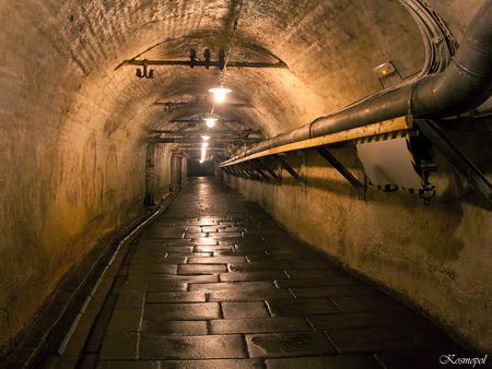 Pilsen - Onderaards gangenstelsel - Nog een shot gemaakt in het labyrinth onder de brouwerij van Pilsner Urquell. - foto door kosmopol op 23-09-2011 - deze foto bevat: tsjechie, onderaards, pilsen, kosmopol