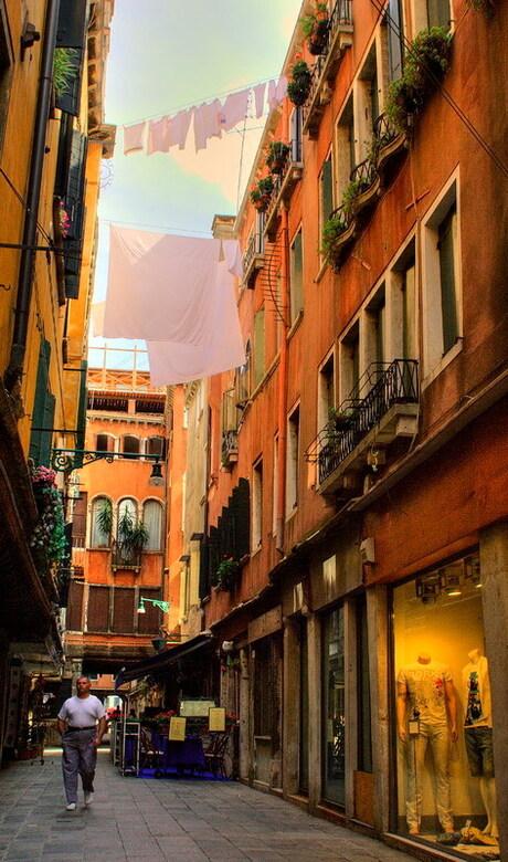 Waslijnen in Venetie