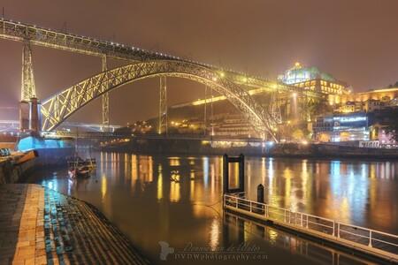 Ponte Luiz I - Ponte Luiz I over de Douro in Porto  [url]https://dvdwphotography.com/2019/06/04/porto-a-small-selection/ [/url]  [url]https://www.facebook.com/D - foto door dennisvdwater op 05-06-2019 - deze foto bevat: avond, architectuur, reflectie, reizen, landschap, stad, porto, brug, rivier, nacht, portugal, hdr, douro, lange sluitertijd