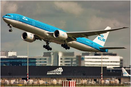 KLM vertrekt van Schiphol