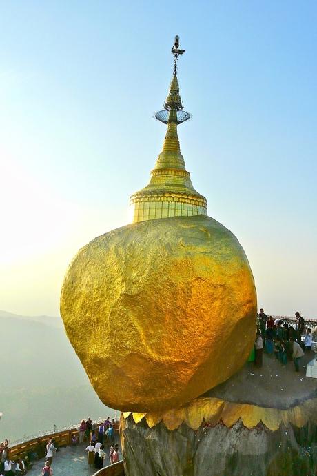 Golden Rock- Birma