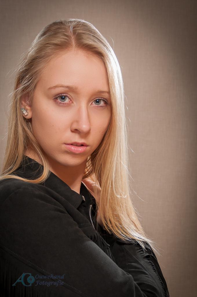 Eline-LSN-7 - - - foto door sparetime op 09-02-2016 - deze foto bevat: portret, model, meisje, beauty, glamour, blond, fotoshoot, flitser