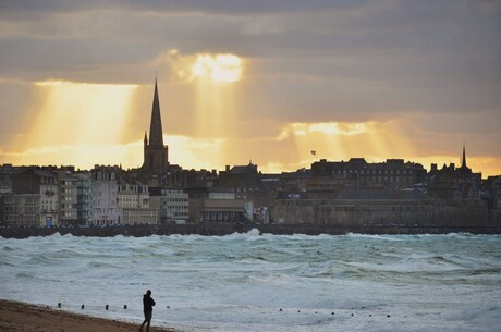 storm bij St. Malo