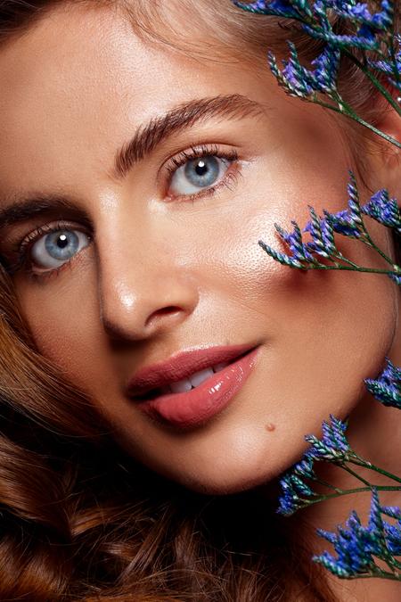 Nikki - Model: Nikki @ EVD Agency MUAH: Kaja Dobron - foto door stephanieverhart op 22-10-2019 - deze foto bevat: vrouw, mensen, licht, portret, schaduw, model, flits, ogen, fashion, beauty, emotie, studio, photoshop, closeup, mode, fotoshoot, visagie, flitser