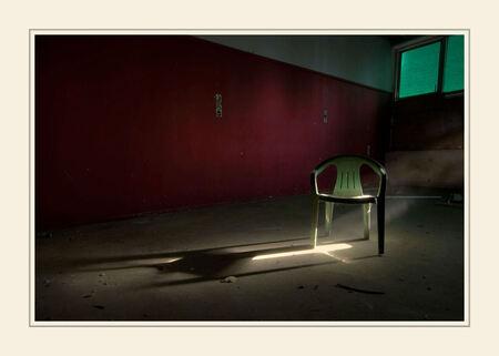 Lonely Chair - Urbex locatie binnen 4 km van mijn woonplaats - foto door peterrochat op 06-11-2010 - deze foto bevat: urbex