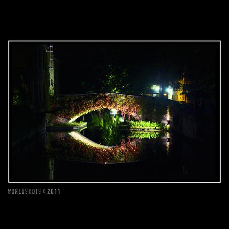 Brug(ge) bij nacht