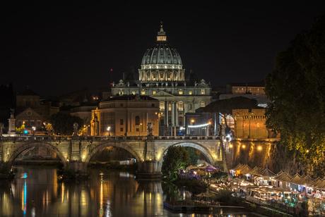 Vaticaan bij nacht