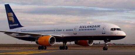 Icelandair b-757