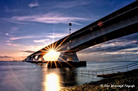 Zonsondergang bij de Zeelandbrug