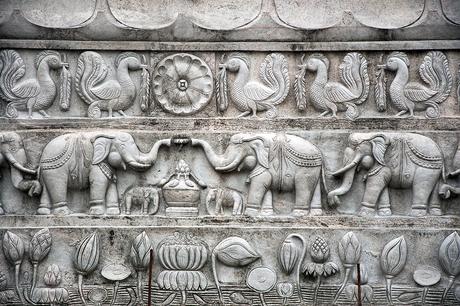olifanten op relief 1903078864Rmw
