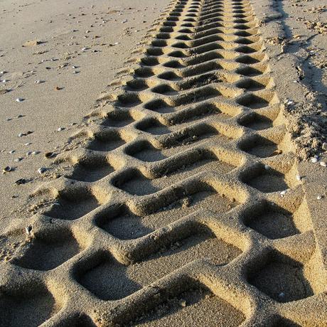 Sporen in het zand 2