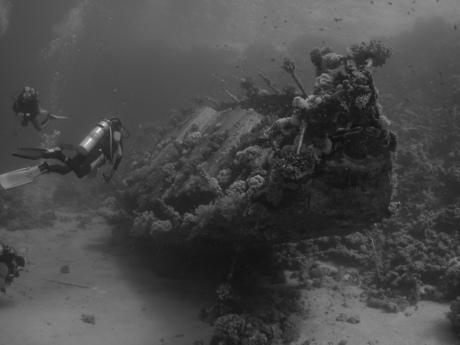 Zeiljacht onder water