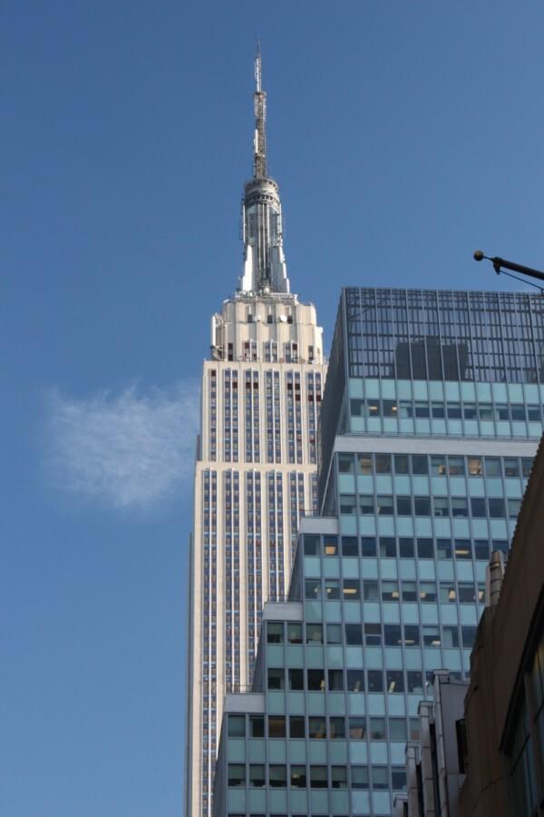 Empire State Building - in mijn ogen het Empire State Building uit een mooie hoek. - foto door smorrie op 16-12-2010 - deze foto bevat: New York, Empire State Building