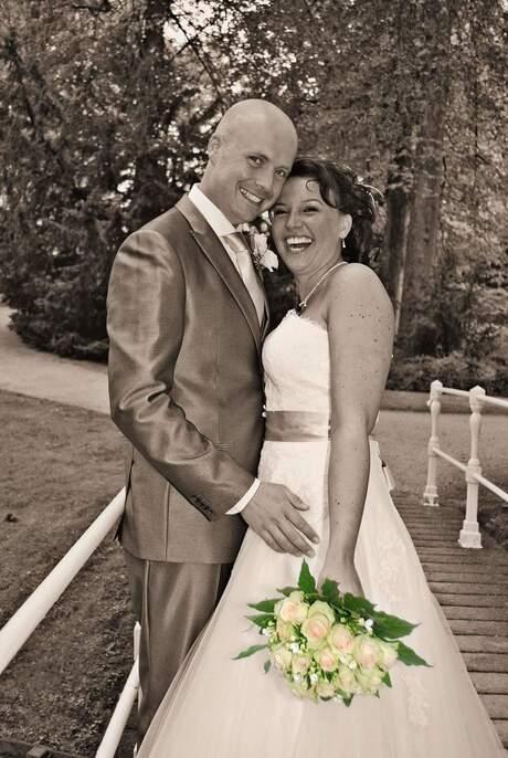 Bruidspaar sepia en kleur