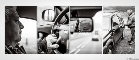 serie fotografie - verhalende serie fotografie; mens&passie; gek op auto's en auto rijden - foto door fotostad op 07-02-2017 - deze foto bevat: man, portret, daglicht, zwartwit, emotie, verhaal, mens, straatfotografie, closeup, passie, reisfotografie, serie, 50mm, vierluik