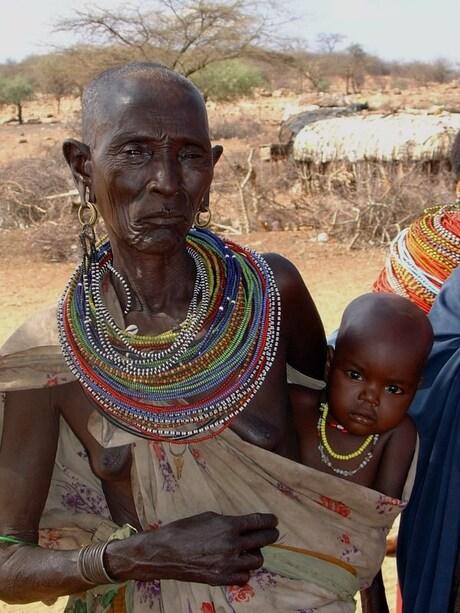 Samburu oma met kind