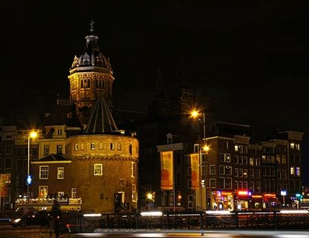 Schreierstoren - AMSTERDAM - De Schreierstoren is een verdedigings toren, die vroeger deel uitmaakte van de stadsmuur. - foto door 1103 op 08-01-2014 - deze foto bevat: tower, night, lights, defense