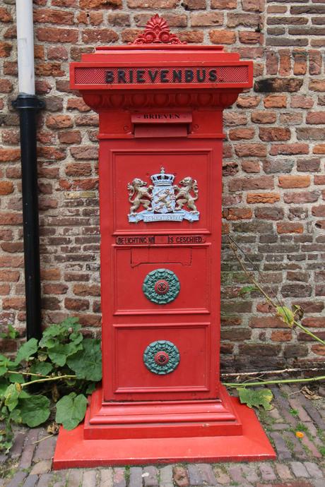 Oude brievenbus in Deventer