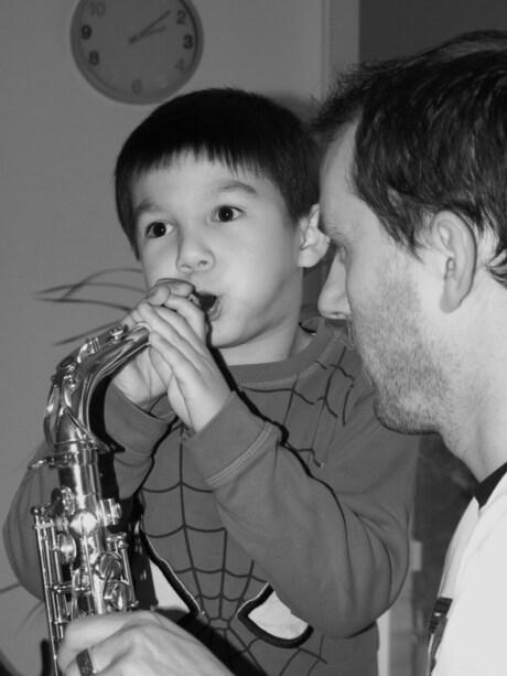 Mag ik ook eens op die saxofoon