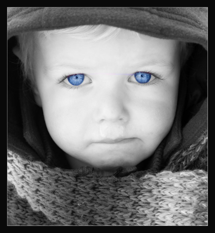 Eyecatcher - Deze prachtige blauwe ogen maken dit portret toch wel bijzonder. - foto door arenddek op 05-01-2010 - deze foto bevat: portretten, ogen, eye, bleu