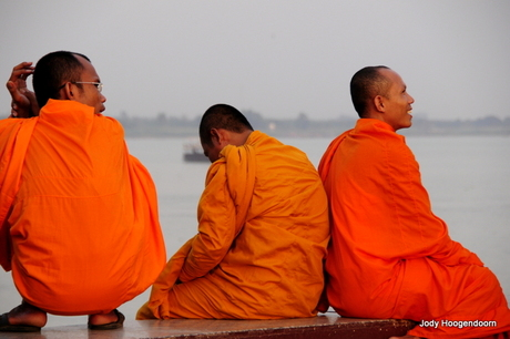 Cambodja 2013 - 3 monniken.JPG