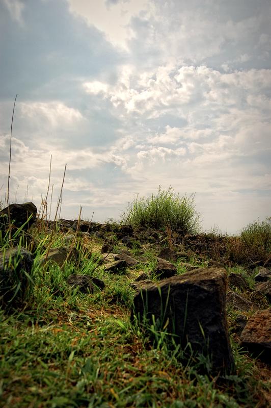 Bij de Waal - Plaatje bij de Waal bij Nijmegen in de buurt. - foto door thuban op 09-05-2010 - deze foto bevat: lucht, natuur, landschap, steen, nijmegen, waal