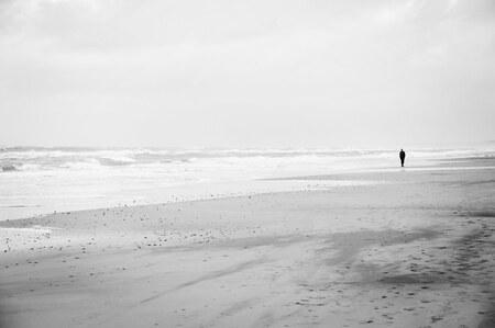Stilte - - - foto door marijkevanbruchem op 16-02-2020 - deze foto bevat: zee, licht, landschap, kust, stilte, wandelen, eenzaamheid
