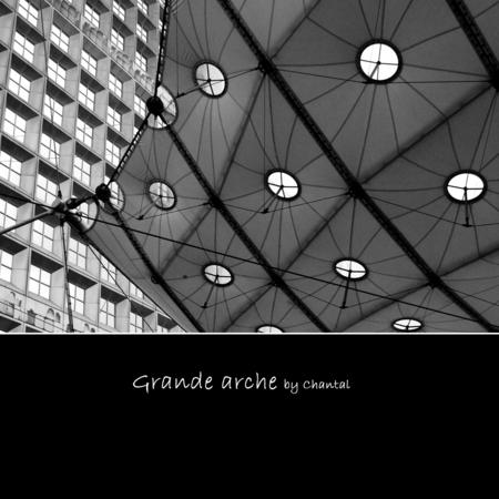 Grande Arche II - Wederom een stukje 'Grande Arche' in la Défense in Parijs... - foto door Chantal_H op 19-06-2009 - deze foto bevat: architectuur, parijs, paris, defense, Zwart/Wit, Grande-Arche