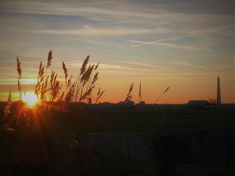 winterse zonsondergang bij Huisduinen
