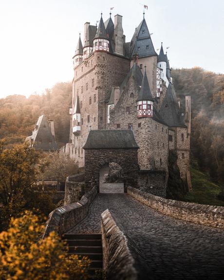 Burg Eltz - Herfstmorgen