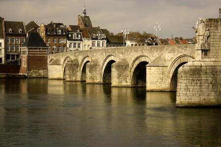 Sint Servaasbrug Maastricht - Dit is de Sint Servaasbrug in Maastricht. - foto door Smeets op 25-03-2021 - deze foto bevat: brug
