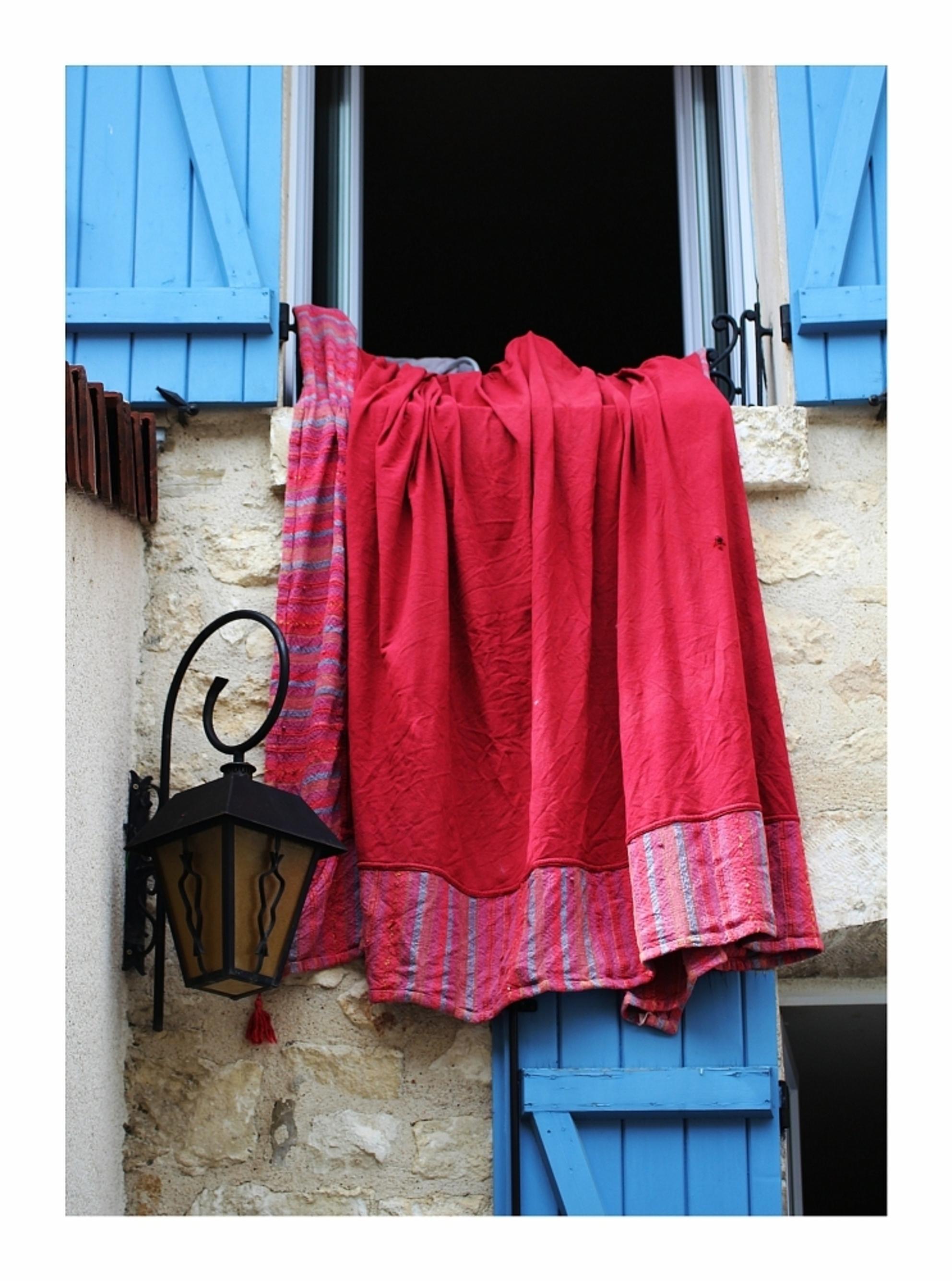 Fris - in het mooie stadje Chablis - foto door onne1954 op 10-06-2013 - deze foto bevat: rood, frankrijk, chablis, lauw - Deze foto mag gebruikt worden in een Zoom.nl publicatie