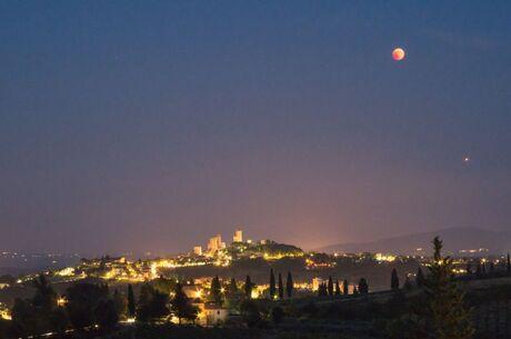 De bloedmaan en Mars in Italië