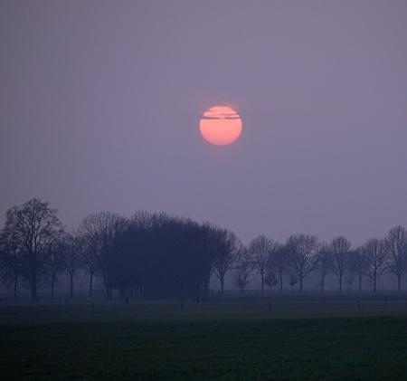 P3035106.jpg zonsondergang - zonsondergang - foto door jeanetfoto op 03-03-2021 - deze foto bevat: lucht, zonsondergang, maan
