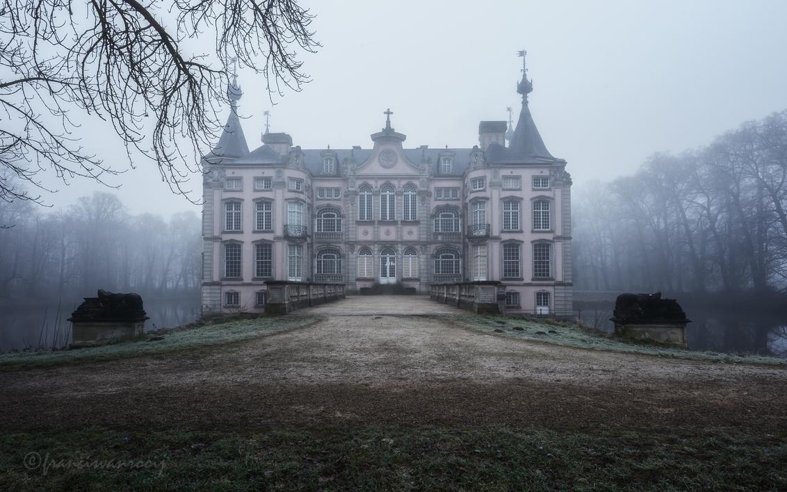 castle - - - foto door francisvanrooij op 29-12-2016 - deze foto bevat: kasteel, brug, belgie, verlaten