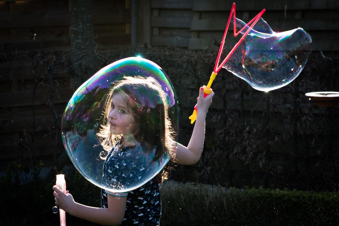 zeepbellen maken - Fun Zeep bellen maken. - foto door Ruddy op 28-02-2021