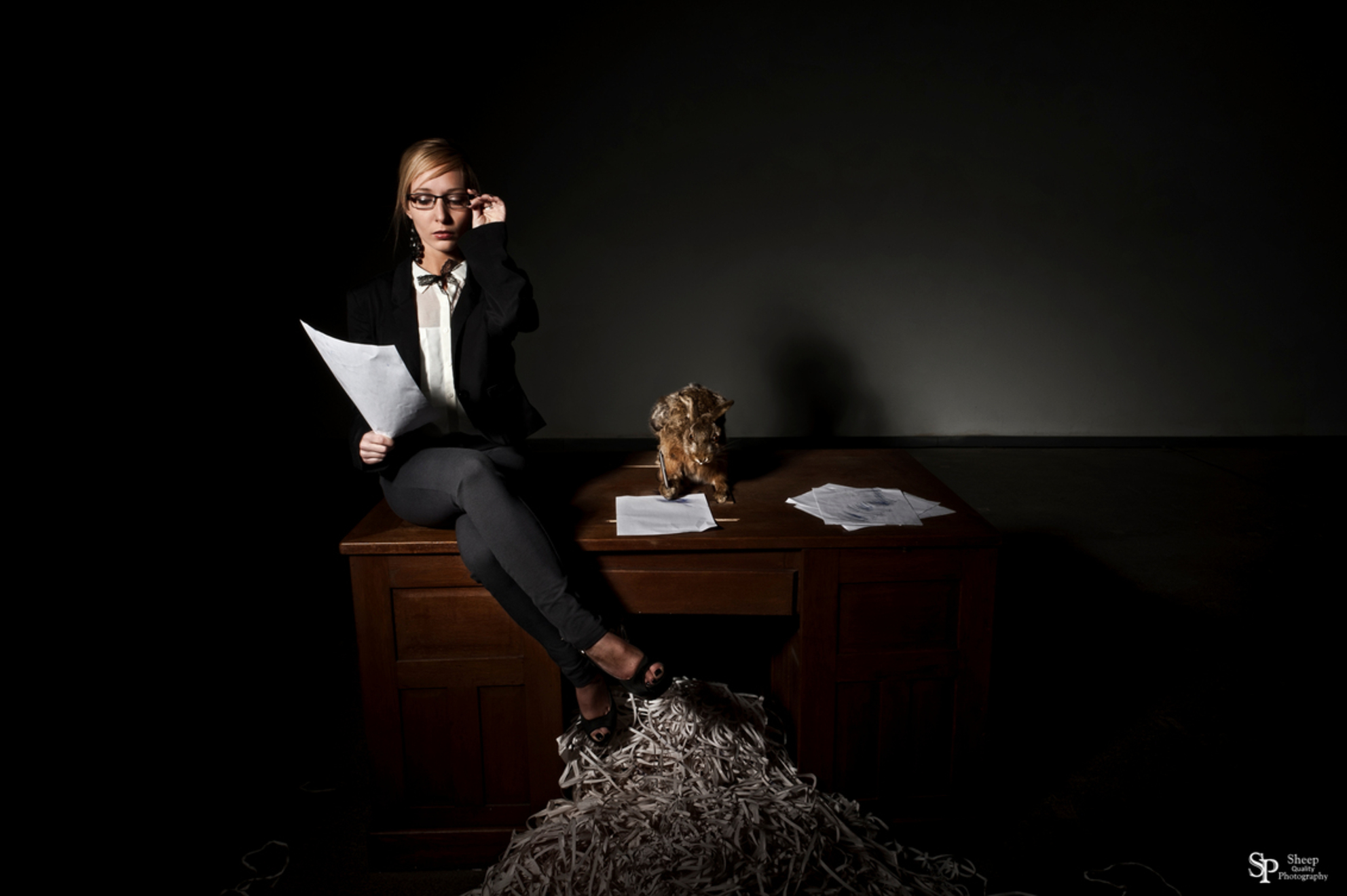 Dear Employee - Employee part I - Uit de Serie : Employee de eerste  Model: Sharon vandenabeele Mua: Patrice troost Locatie: kemzeke - foto door mark-62 op 28-02-2013