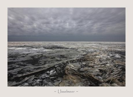 IJs in het IJsselmeer