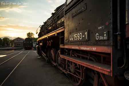 441593-1 - Loc 441593 op Station Beekbergen te Lieren bij volle lensopening en laatste zonlicht.  Sluitertijd 1/80 seconde, ISO100, f4, LEE 0.9 Soft Grad (sch - foto door fveer op 18-06-2014 - deze foto bevat: station, trein, stoom, locomotief, lieren, beekbergen