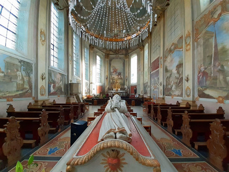 Wandeling 61 - Ik liep een van de Camini's ( nr. 5 ) en kwam daarbij langs de Sint Gerlachus  kerk in Houthem die ik natuurlijk bezocht. (Waarover later meer )   - foto door pjhtheunissen op 15-11-2020