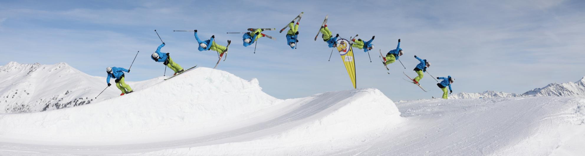 Ski jump - Genomen in Gerlos tijdens de wintersport. Na het nodige knip- en plakwerk kreeg ik dit resultaat. - foto door zephyrus op 20-02-2010 - deze foto bevat: wintersport, ski, sprong, schans, motordrive