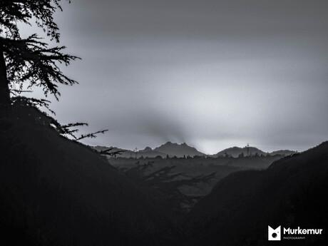 Verschillende lagen bergen in infrarood