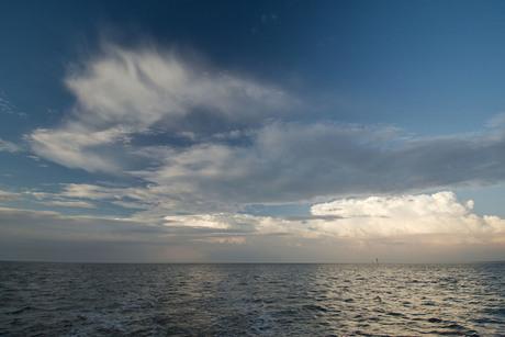 Wolken boven de Wadden
