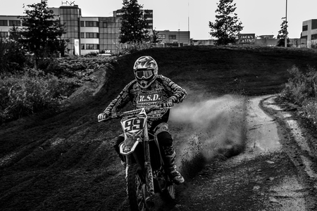 MC_LES_VITES_04-09-2020.449 - - - foto door Charles-van-Veen op 15-09-2020 - deze foto bevat: panning, race, sport, portret, actie, motor, snelheid, emotie, kampioen, beweging, cross, springen, rally, sluitertijd, circuit, motorsport, assen, stadion, coureur, finish