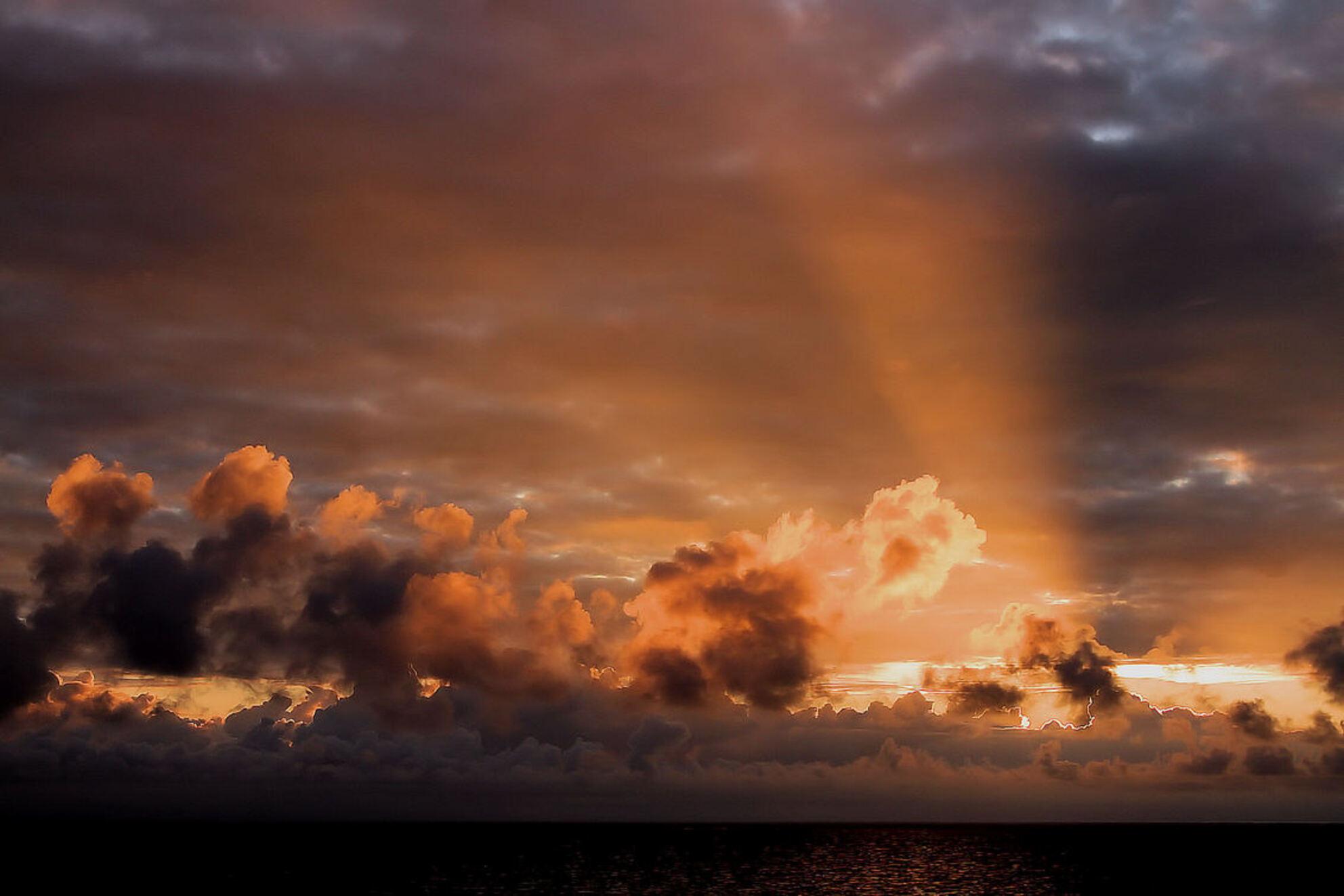 Sunset at Sea.... - Op de ferry naar Newcastle..... - foto door rondevries_zoom op 19-09-2011 - deze foto bevat: sunset - Deze foto mag gebruikt worden in een Zoom.nl publicatie